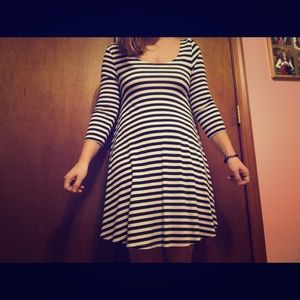 American eagle size small black and white dress